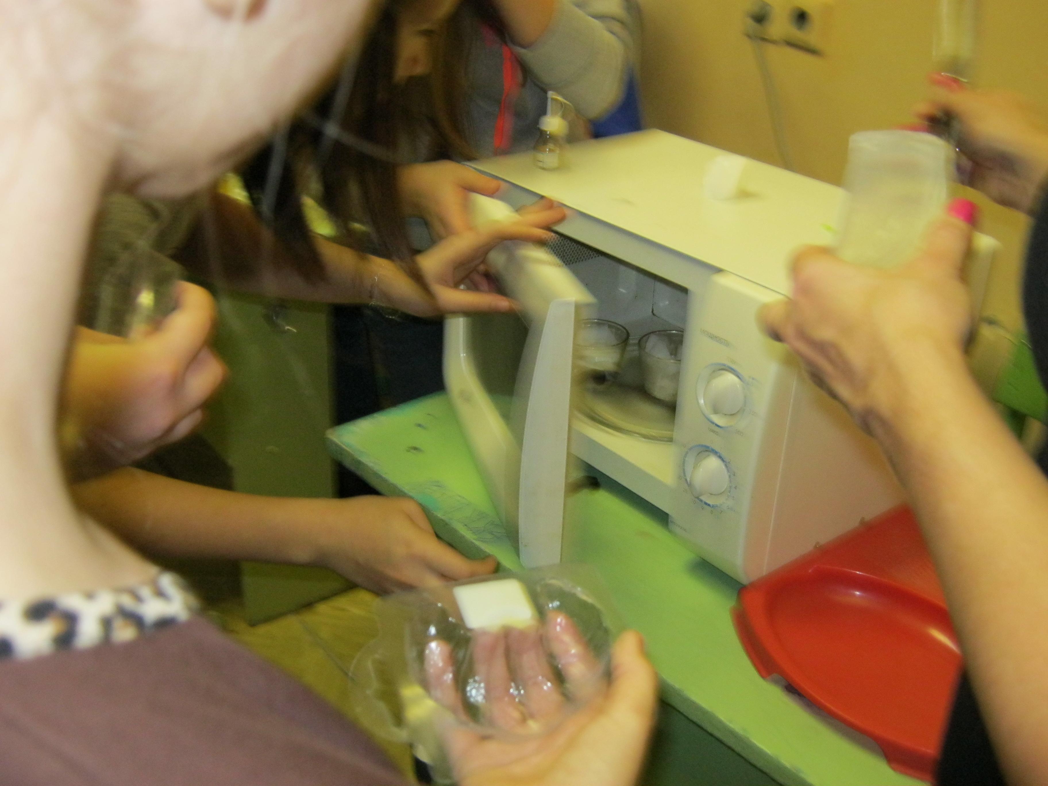 Разогрев мыла в микроволновке